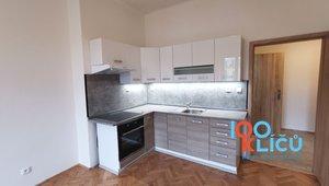 Pronájem bytu 1+1, 43m2, U křížku 1402/6, Praha - Nusle