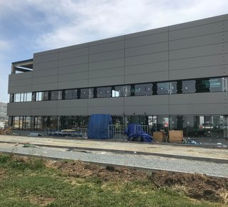 Moderne Lager- / Produktionsfläche zu vermieten, ab 1.700 m2, Nupaky