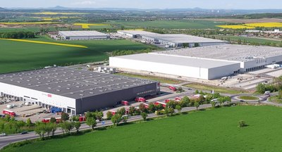Pronájem  - sklady, haly, výrobní prostory až 16.000m2, Kozomín / Úžice, Praha - Východ