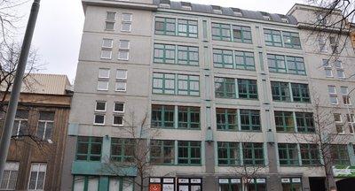 Moderní budova -  Na Maninách,  Praha 7