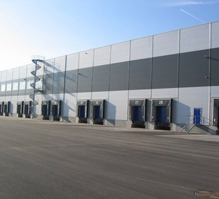 Warehouse for rent, Holubice