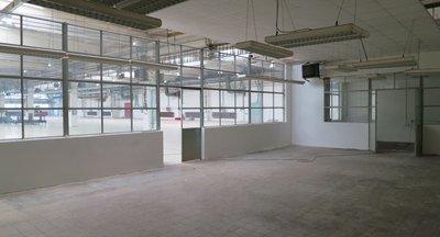 Pronájem - skladovací a výrobní areál, Praha 5 - Radotín