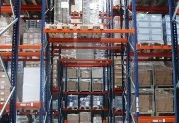 Pronájem skladu se službami, paletová místa - 1000m2 (Trutnov)