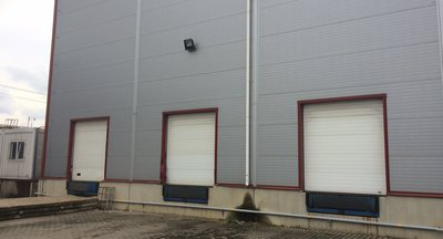 Pronájem výroba,  skladovací prostory, 1800 m2, Praha - Horní Počernice