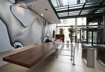Pronájem obchodních prostor - 440 m2, Praha 5 - Anděl