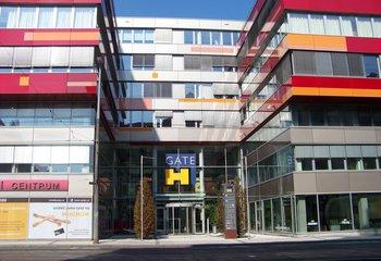 Pronájem obchodních prostor - 160 a 440 m2, Praha 5 - Anděl