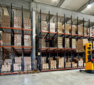 Rental of warehouse services, storage pallets - 1000 m2 (Semily)