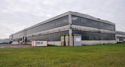 Pronájem skladových prostor (sklady, haly) - Pardubice, k dispozici železniční vlečka