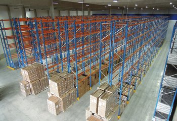 Rental of warehouse with logistics services, up to 16,000 pallet units - Pelhřimov