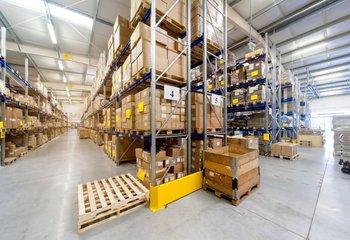 Warehouse services, 2000 m2