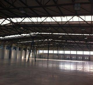 Das Logistikunternehmen bietet Warehousing / Fulfillment-Dienstleistungen in Ústí nad Labem - 3.400 m2 - Verfügbarkeit von D8.