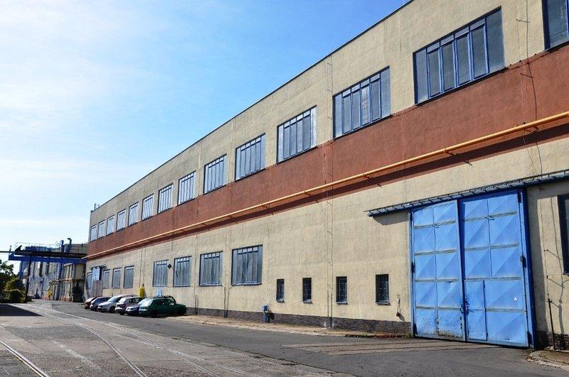 Pronájem: Výrobní prostory s portálovým jeřábem (2