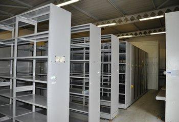 Pronájem areálu se skladovacími prostory vč. služeb - lokalita Praha 9 Horní Počernice.