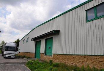 Pronájem - skladovací prostory, logistické služby, funkční železniční vlečka - Úžice, Praha-Východ (D8)
