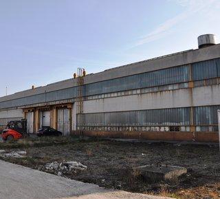 Pronájem: skladovací a výrobní haly, zpevněné plochy, Most
