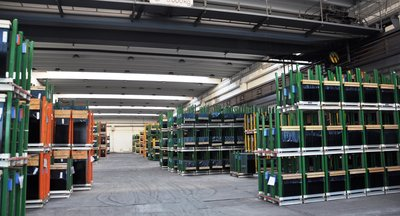 Rent: warehouses and factory buildings, paved areas, Most