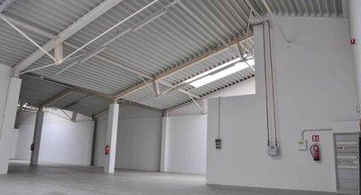 Pronájem: sklad u dálnice D1, 1218 m2, Čestlice