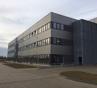 Pronájem skladové prostory 2000-4000 m2, Praha východ