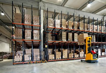 Skladování a logistické služby - Praha západ