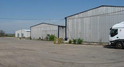 Pronájem skladu, až 3200 m2, Vraňany (okr. Mělník)