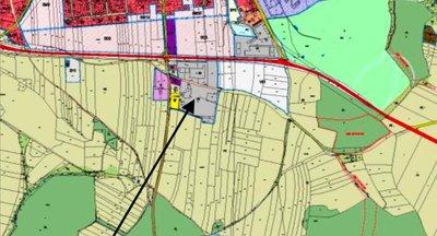 Exkluzivní pozemek na komerční výstavbu Kostelec Nad Černými Lesy