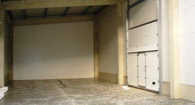 Pronájem moderních skladových prostor - 245 m2, Praha - Horní Počernice
