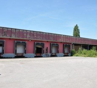 Mieten - Lagerhalle inklusive Ausrüstung, Lager über 22.000 m2, Gestellen und spornen die dispoici (Kreis Rychnov nad Kneznou Region Hradec Kralove Region)
