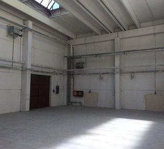 Kolín - Warehouse space 1,700 sqm and 2,200 sqm