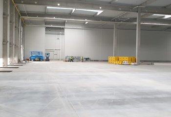 Česká dopravní a logistická společnost nabízí k pronájmu sklady s VOLNOU plochou až 6.000m2 - Žatecko D7.