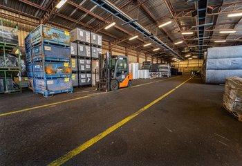 """Nabízíme k pronájmu skladové prostory typu """"B -"""" nedaleko průmyslové zóny Bor u Tachova silnice E50."""