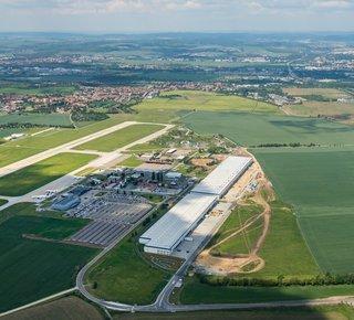 Hallen zu vermieten am Flughafen Brno