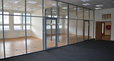 Říčany, podnájem kancelářských prostor v průmyslové zóně 637m²