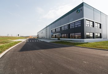 Moderne Lagerfläche von 8.880 m2 - Ostředek, D1 Ausfahrt 34