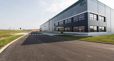 Moderní skladové prostory na míru 8.478 m2 - Ostředek, D1 exit 34