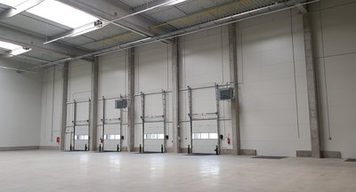 Lease, Warehouse / industrial premises, 8.712 m² - Most
