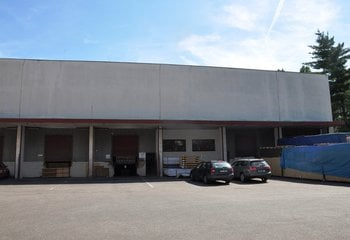 Pronájem skladu s logistickými službami na Praze 10 - Průmyslová ul.