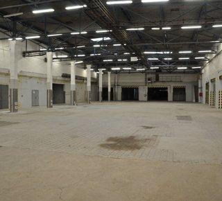 Pronájem skladových a výrobních prostor v Chomutově, D7