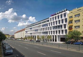 Mayhouse, 5. května, Praha 4 - Pankrác