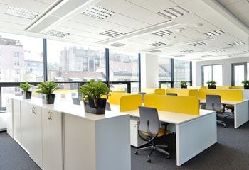 Lease, Commercial Offices, 3500m² - Praha - Karlín
