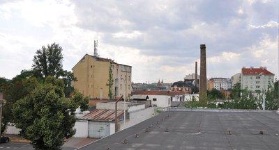 Pronájem komerčních prostorů s industriálními rysy v Holešovicích