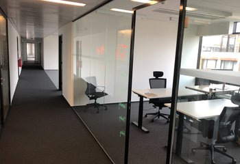 Lease, Commercial Offices, 1750m² - Praha - Libeň