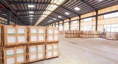Pronájem: Skladové a výrobní prostory u Pardubic, 850 - 3700 m2