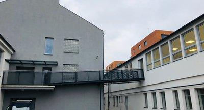 Pronájem obchodního prostoru - LINKHOUSE -  Na Maninách Praha 7 - 103 m2
