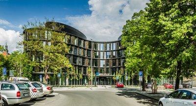 Obchodní prostor k pronájmu - Karlín - 360 m2