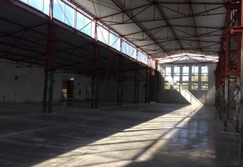 Warehouse with services, up to 10,000 pallet units - Prague east
