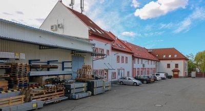 Pronájem skladových a kancelářských prostor - Dolní Měcholupy (Praha 10)