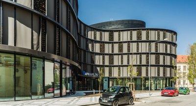 Obchodní prostor k pronájmu - Karlín - 204 m2