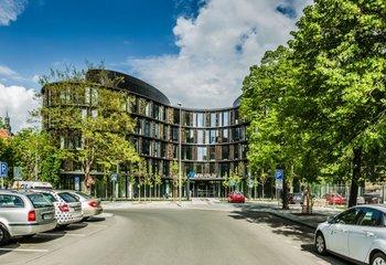 Obchodní prostor k pronájmu - Karlín - 200 m2
