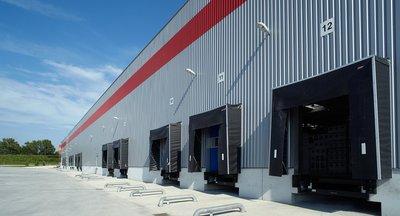 Výrobné / skladové priestory s napojením na diaľnicu D2