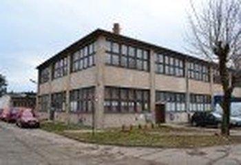 Prenájom haly 1.433 m2, Trenčín